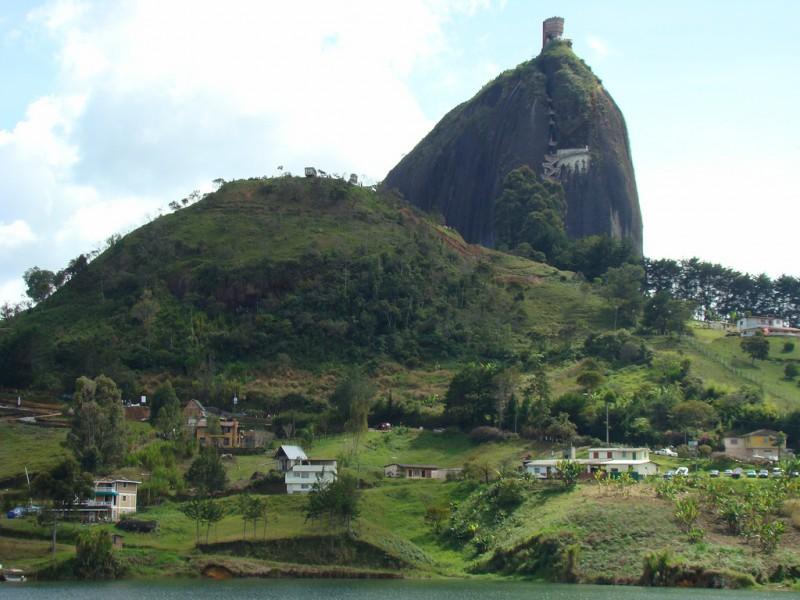 Turismo en Guatapé: la Piedra del Peñol y más