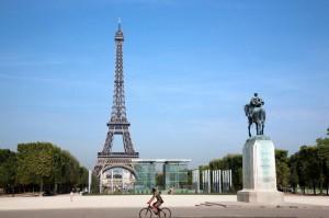 ¿Qué ciudad prefiere, Nueva York o París? ¡Dos lugares diferentes con mucho por conocer!