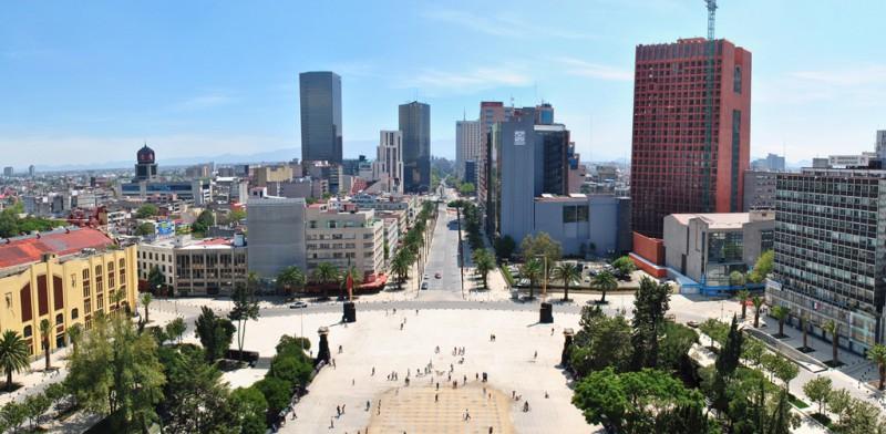 Monumento_a_la_Revolucion_-_Panorama_vista_hacia_el_Oriente