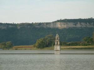 Iglesias bajo el agua en México