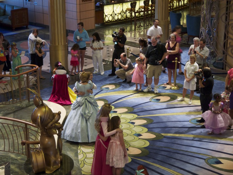 Viva la magia a bordo de un crucero de Disney®