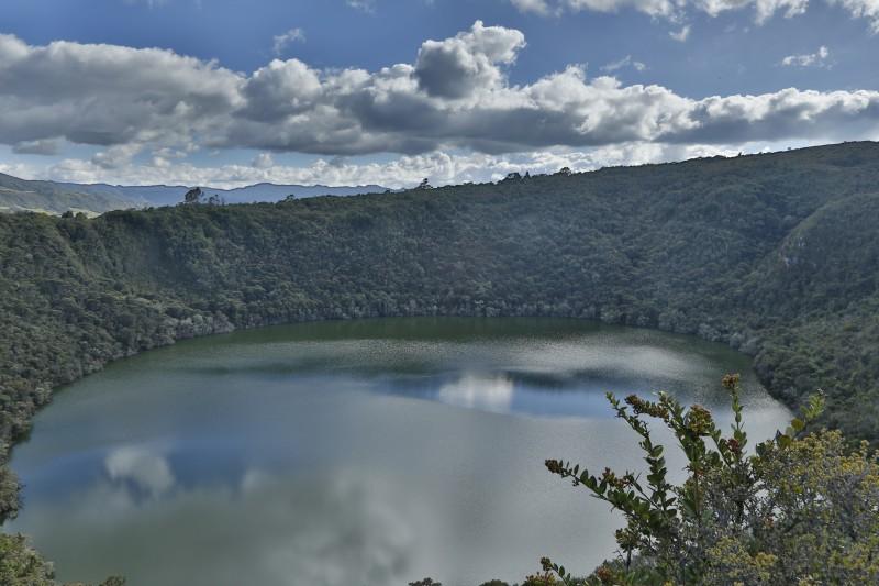 Visitando la laguna de Guatavita