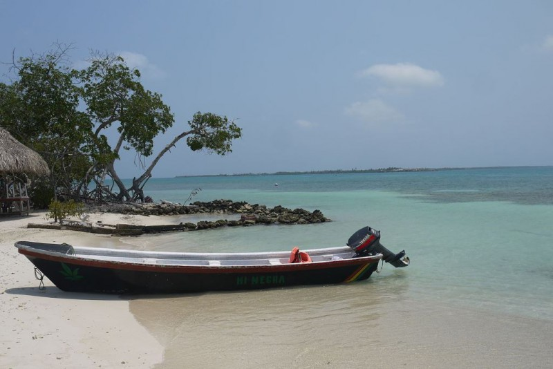 Islas_de_San_Bernardo_beach
