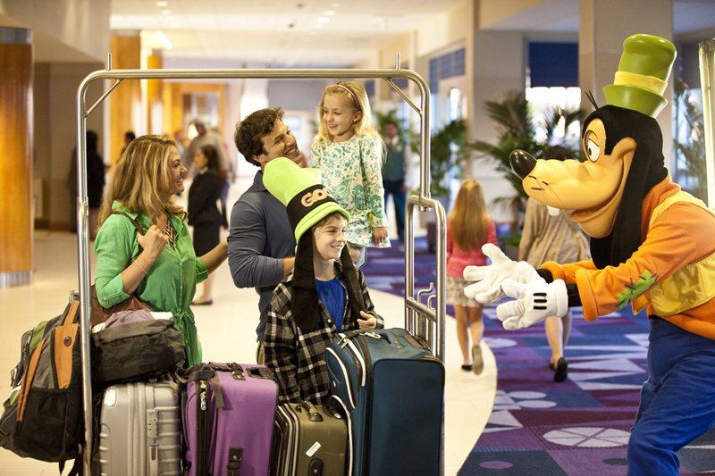 DLR - Disneyland Hotel - Fantasy Tower & Lobby