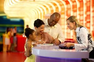 Hospédese en un hotel Disney y aproveche las ventajas del MagicBand