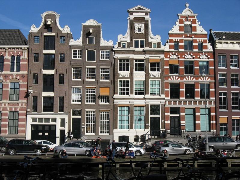 1200px-Amsterdam-IMG_0051